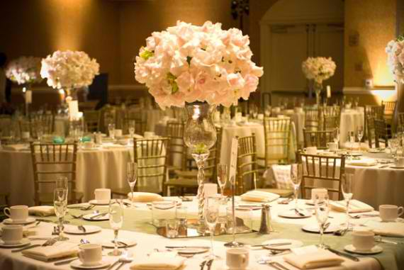 Make Your Wedding Unforgettable With These Venue Decorations